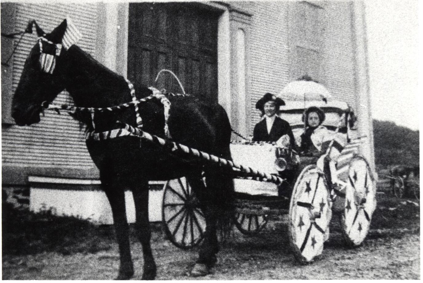 4th parade horse-buggy